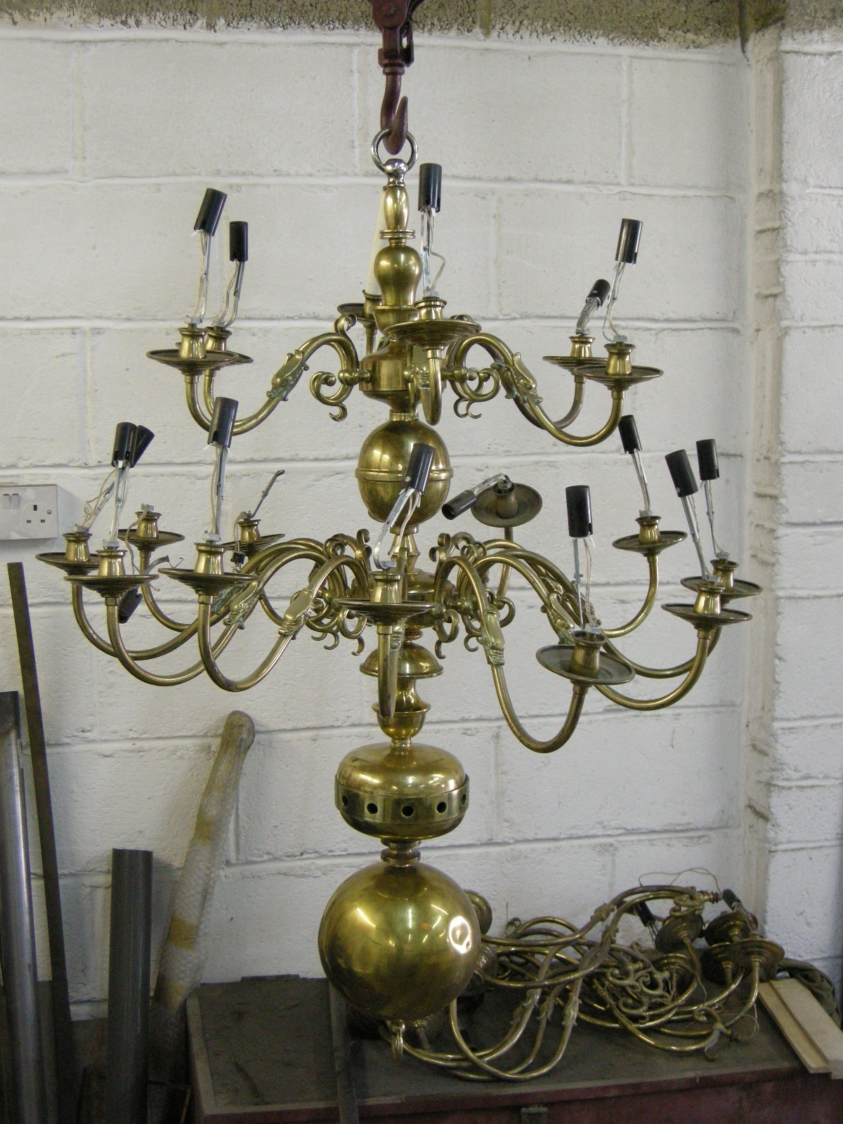 30 arm chandelier before restoration