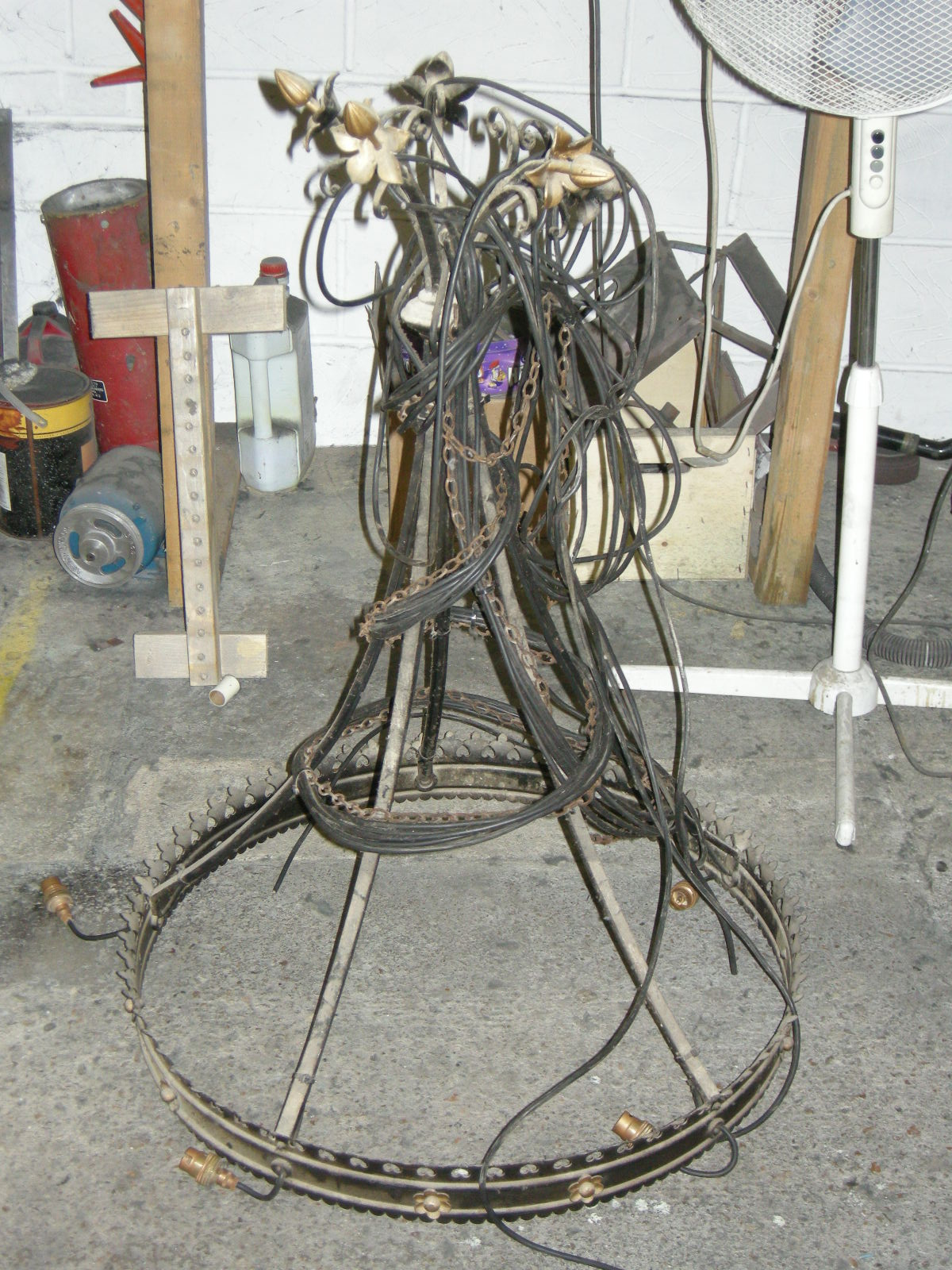 chandelier before restoration